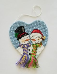 Cross Stitch Christmas Ornaments, Xmas Cross Stitch, Cross Stitch Boards, Christmas Ornaments To Make, Christmas Cross, Handmade Christmas, Cross Stitching, Cross Stitch Embroidery, Felt Snowman