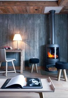 Design in a chalet, nice fireplace and Nordic inspiration
