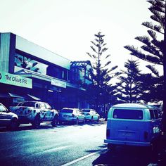 Still got a little Christmas shopping to do? Head down to Ocean Grove this weekend to #buybig and #supportsmall  The Terrace - The Parade - The Avenue - Market Place - Grubb Road - Industrial Estate -  #christmasshopping #kombispotting #sales  #aguideto #aguidetooceangrove #smallbusiness #shoplocal #livelovelocal  #instagood #photography #ocean #beach #surf #fun #amazing #art  #oceangrove #barwonheads #bellarine #bellarinepeninsula #gtown #geelong #visitvictoria #tourismgeelong #australia…