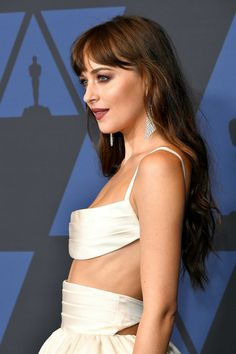 Dakota at the Governor's Awards in LA on October 2019 Dakota Johnson Hair, Dakota Johnson Style, Dakota Mayi Johnson, Most Romantic Hollywood Movies, Poses, Red Carpet Looks, Fifty Shades, Couture, Hair Goals