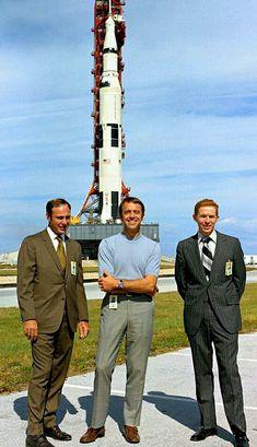 Moon Missions, Apollo Missions, Nasa Photos, Nasa Images, Apollo Space Program, Nasa Astronauts, Space Astronauts, Nasa History, Space Facts