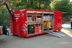 "Die ""SEG RettAss"" der Feuerwehr Düsseldorf. Work Trailer, Utility Trailer, Truck Canopy, Cool Fire, Fire Apparatus, Emergency Vehicles, Fire Engine, Fire Department, Ambulance"