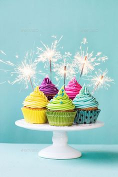 Buy Cupcakes with sparklers by RuthBlack on PhotoDune. Colorful cupcakes decorated with sparklers Easy Birthday Desserts, Happy Birthday Cupcakes, Happy Birthday Candles, Pink Birthday, Best Birthday Wishes Quotes, Happy Birthday Messages, Happy Birthday Images, Cake Sparklers, Cupcake Photography