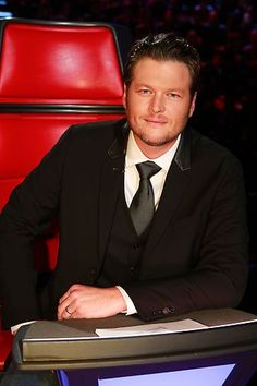 Coach Blake Shelton looking handsome in a suit and tie! #TheVoice