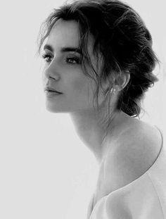 Lily Collins as Aubree in Heart of Stone. #wattpad