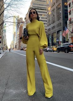 2019 Women Elegant Fashion Slim Fit Yellow Solid Skinny Casual Overall – CuteClothesForTeens Paris Chic, Paris Style, Mode Monochrome, Monochrome Outfit, Monochrome Fashion, Yellow Fashion, Colorful Fashion, Moda Xl, Mode Ootd