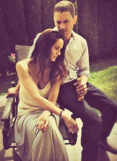 Sarah Wayne Callies and Wentworth Miller as Sara and Michael in Prison Break
