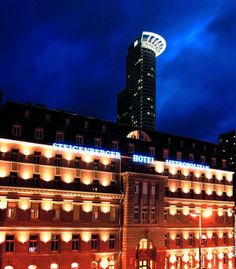You'll be centrally located in Frankfurt with a stay at Steigenberger Metropolitan, minutes from Skyline Plaza and Messeturm. This 5-star hotel is within close proximity of English Theatre and Deutsche Bank Twin Towers. http://www.lowestroomrates.com/Frankfurt/Steigenberger-Metropolitan.html #SteigenbergerMetropolitan #FrankfurtHotels