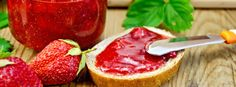 Super zdravá marmeláda s chia semínky Strawberry, Fruit, Food, Essen, Strawberry Fruit, Meals, Strawberries, Yemek, Eten