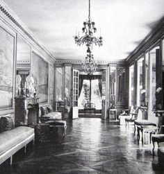Ŧhe ₵oincidental Ðandy: The Well-Appointed Interior: The Legendary Elsie de Wolfe Classic Interior, Modern Interior, Interior Design, Nyc In December, October, Stanford White, New York Library, Elsie De Wolfe, Villa