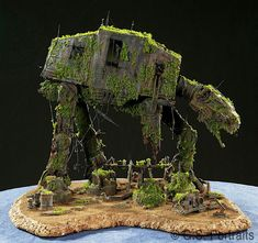 AT-AT We love how this brand new toy has been transformed into a forgotten AT AT diorama.We love how this brand new toy has been transformed into a forgotten AT AT diorama. Nave Star Wars, Star Wars Art, Star Trek, Images Star Wars, Star Wars Models, Lego Design, Love Stars, Geeks, Scale Models