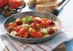 Das Rezept für Kabanossi-Tomaten-Pfanne mit Mini-Mozzarella und weitere kostenlose Rezepte auf LECKER.de