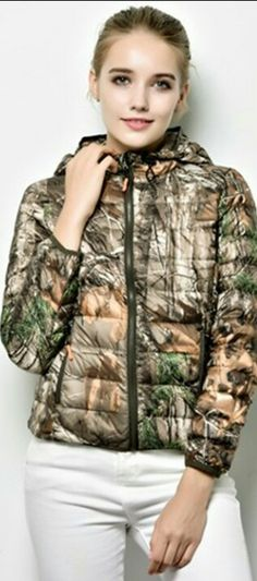 Hooded Jacket, Bomber Jacket, Military Fashion, Winter Jackets, Athletic, Jacket With Hoodie, Winter Coats, Winter Vest Outfits, Athlete
