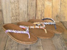 BALENO #sandal #tiurai #pearl #orange #purple #blue #woods #ecotrend #leather #trim #tongue #flat #brown #strass