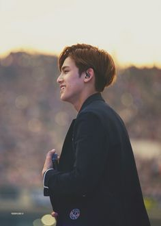 mingyu is so good looking what even the fuck << It doesn't seem possible that a man should be that attractive in every way. Mingyu Wonwoo, Seungkwan, Woozi, Rapper, Hip Hop, Kpop, Kim Min Gyu, Choi Hansol, Won Woo