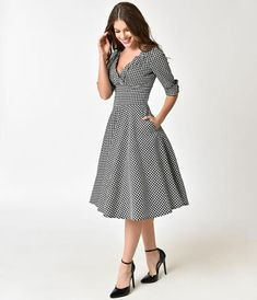 Unique Vintage Black & White Houndstooth Delores Swing Dress with Sleeves 1950s Fashion Dresses, Vintage Fashion 1950s, Vintage 1950s Dresses, Retro Dress, Fashion Outfits, Swing Dress With Sleeves, Half Sleeves, Business Casual Outfits For Women, Everyday Dresses