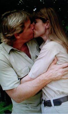 Steve and Terri Irwin very much in love. Terri Irwin, Steve Irwin, Irwin Family, Crocodile Hunter, Bindi Irwin, I Miss Him, Couples In Love, Celebs, Celebrities