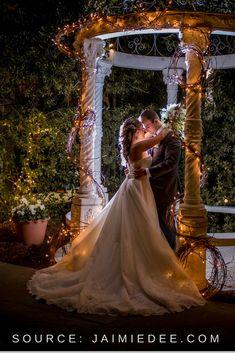 Ideas Wedding Venues Georgia Atlanta Brides For 2019 Bridal Portraits Outdoor, Bridal Portrait Poses, Bride And Groom Pictures, Wedding Pictures, Wedding Ideas, Diy Wedding, Wedding Reception, Wedding Decor, Wedding Inspiration