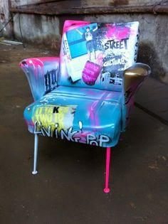 Mobiliário Grafitado, confira mais em www.diycore.com.b