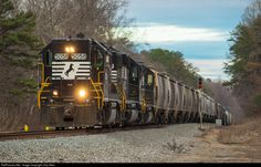 RailPictures.Net Photo: NS 5058 Norfolk Southern EMD GP38-2 at White Sulphur, Georgia by Chip Allen