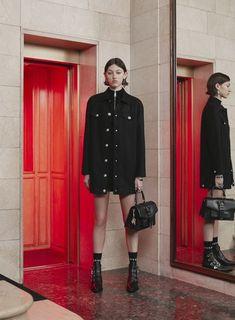 Versus Versace Pre-Fall 2017 Collection Photos - Vogue