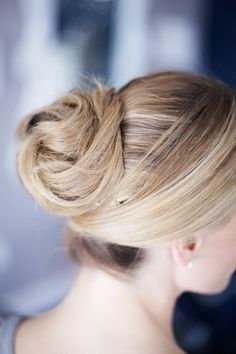 Large Twisted Bun Tutorial by Martha Lynn Kale | photos by Kate LeSueur for Camille Styles