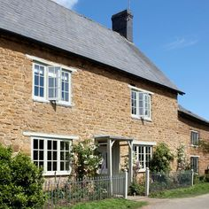Modern Country Style: Blue And White Colour Scheme Cotswold Cottage House Tour