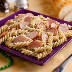 In less time than it takes the fusilli to cook, you can conjure up a spicy Alfredo sauce with blackened Smoked Sausage. When the pasta is done, just toss with the sauce. It's pure magic.
