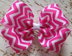 pink chevron hair bow<3