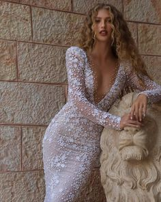 "BERTA on Instagram: ""Touch of brilliance. New BERTA bridal couture collection 🤍"" Wedding Dress Trends, Best Wedding Dresses, Bridal Dresses, Wedding Gowns, Wedding Dress Country, Red Wedding, Boho Wedding, Maggie Sottero Wedding Dresses, Wedding Dress Sleeves"