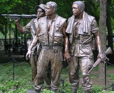 """The Three Servicemen"" statue, designed by Frederick Hart, a U.S. sculptor and artist.  Washington, D.C."