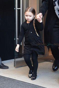 Celebrity moms 331366485064629032 - Harper Beckham leaving her manhattan hotel Source by Harper Beckham, David Beckham, The Beckham Family, Manhattan Hotels, Cute Outfits For Kids, Celebrity Babies, Fashion Show, Fashion Trends, Mom And Baby