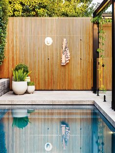 Combining a modern outdoor living space with a refurbished in ground concrete swimming pool. Backyard Pool Designs, Small Backyard Pools, Modern Backyard, Modern Landscaping, Outdoor Pool Areas, Landscaping Software, Indoor Outdoor, Decks Around Pools, Swimming Pool Landscaping
