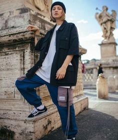 Skater Cargo Pants by Yukio Hishika Androgynous Fashion, Tomboy Fashion, Look Fashion, Korean Fashion, Fashion Outfits, Fashion Trends, Grunge Outfits, Retro Outfits, Streetwear Mode