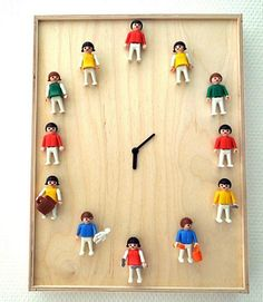 The 42 Definitively Cutest DIY Projects Of All Time (starting with this playmobil person clock) Cute Diy Projects, Diy Upcycling, Upcycle, Cute Diys, Trendy Home, Old Toys, Art For Kids, Repurposed, Diy And Crafts