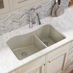 Elkay Quartz Classic L x W Double Basin Drop-In Kitchen Sink has a smooth surface and a visible depth to its structure. This Quartz Classic x Double Basin Drop-In Kitchen Sink also offers durability to take on tough kitchen tasks. Top Mount Kitchen Sink, Apron Sink Kitchen, Double Bowl Kitchen Sink, Farmhouse Sink Kitchen, Kitchen Sink Faucets, New Kitchen, Kitchen Ideas, Kitchen Cabinets, Kitchen Sink Ideas Undermount