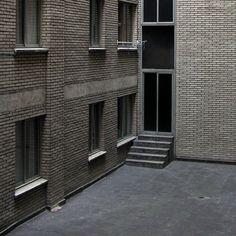 Hiato - 2006 - Daniel Blaufuks Piece Of Me, Masters, Garage Doors, Outdoor Decor, Home Decor, Master's Degree, Interior Design, Home Interiors, Decoration Home