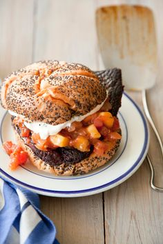 Check out what I found on the Paula Deen Network!Blackened Tilapia Sandwich with Cilantro Lime Mayonnaise Tilapia Recipes, Seafood Recipes, Dinner Recipes, Chef Recipes, Fish Sandwich, Sandwich Ideas, Sandwich Recipes, Tapas, Gourmet
