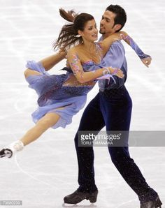 Tokyo, JAPAN: American pair Tanith Belbin and Benjamin Agosto perform during the free dance at the World Figure Skating Championships in Tokyo, 23 March 2007. American pair scored a total of 195.43 points and won the bronze medal. AFP PHOTO/ TOSHIFUMI KITAMURA (Photo credit should read TOSHIFUMI KITAMURA/AFP/Getty Images)