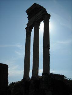 Beautiful ancient pillars in #Rome #Italy