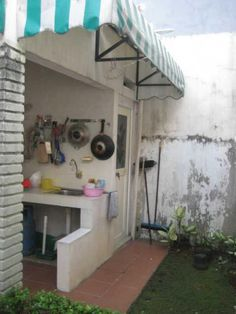 Outdoor kitchen (dapur kotor)