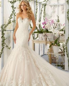 """Happy Sunday Loves!  Mori Lee 2804 #morilee #morileebride #madelinegardner #spring2016 #bride #bridal #bridalgown #weddinggown #weddingdress…"""