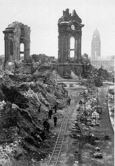 Civilians beginning the long task of clearing the ruins of Dresden Frauenkirche in destroyed in historic bombing in World War II Ap World History, History Online, World War Ii, British History, Ancient History, American History, Dresden Bombing, Dresden Germany, Germany