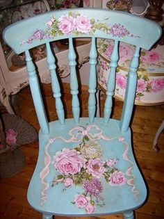 Shabby Chic Home Decor Hand Painted Chairs, Hand Painted Furniture, Paint Furniture, Furniture Makeover, Old Chairs, Vintage Chairs, Dining Chairs, Lounge Chairs, Decoupage Furniture