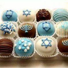 20 Hanukkah Desserts to Make the Holiday Even Sweeter Hanukkah Truffles Hanukkah Food, Hanukkah Decorations, Christmas Hanukkah, Happy Hanukkah, Hanukkah Recipes, Hanukkah 2017, Hanukkah Crafts, Hanukkah Lights, Hanukkah Celebration