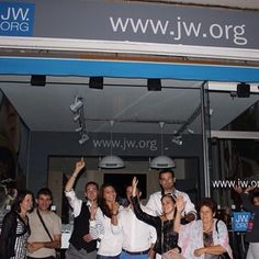 JW.ORG storefront in Rouen, France. This little shop that gives online access to the public to JW.ORG and gives out publications has been opened for a while now. Photo shared by @kryslene_i