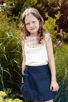Low scoop neck with an adorable stitched heart pattern #glamourcollection #papiliokids