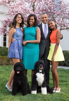 """Malia Obama, left, Michelle Obama, Barack Obama and Sasha Obama in a 2015 portrait."