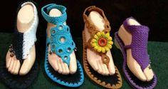 Örgüden yapılmış bayan sandalet