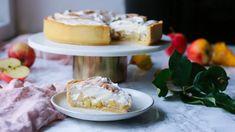 Jablkový koláč: těsto se zkaramelizovanými jablky a skořicovým krémem Foods To Eat, Camembert Cheese, Dairy, Sweets, Meals, Baking, Recipes, Sweet Pastries, Bread Making